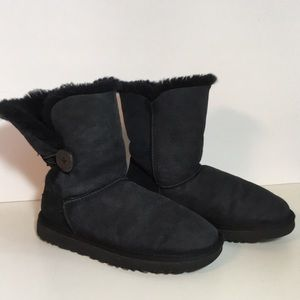 UGG Bailey Button Short Boots 7